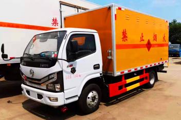 东方小多利卡易燃液体运输车(国六/国五)