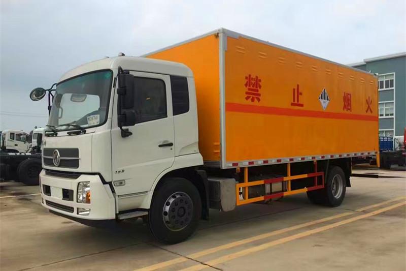 东风天锦腐蚀品厢式运输车