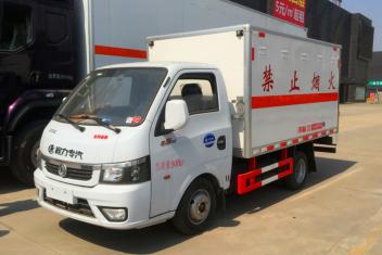 东风途逸腐蚀品厢式车(国六/国五)
